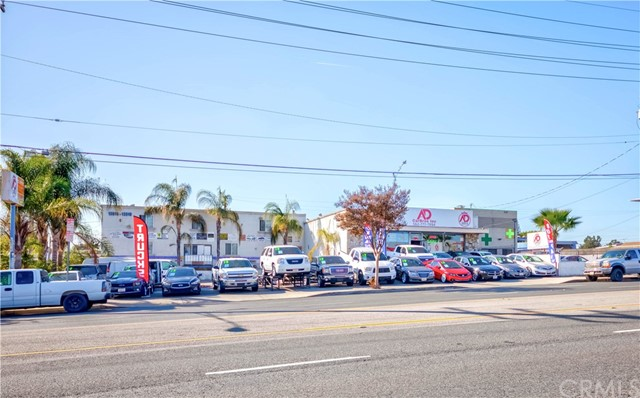 A Great Opportunity For Positive Cash Flow Retail Building on Heavy Traffic Major Street, 2 Buildings of appx. 8675 sq, 3 Parcels C3 Zoned Land of appx. 24,000 sq, Current Tenants are Auto Sales Offices, Great Visibility.