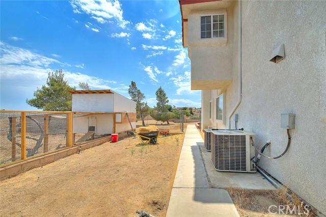 8340 Highland Ct, Oak Hills, CA 92344 Photo 69