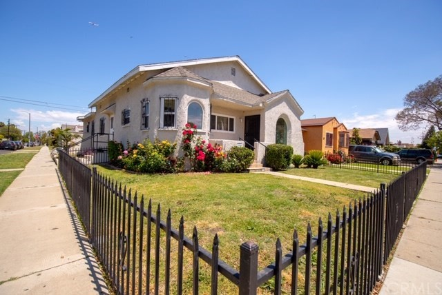 557 W 108th Street, Los Angeles, CA 90044