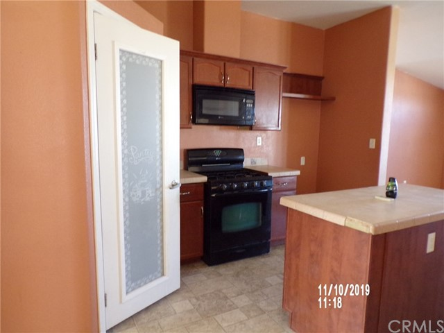8380 Fairlane Rd, Lucerne Valley, CA 92356 Photo 4