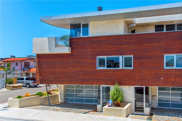 403 11th Street, Hermosa Beach, California 90254, 3 Bedrooms Bedrooms, ,2 BathroomsBathrooms,For Sale,11th,SB20150165