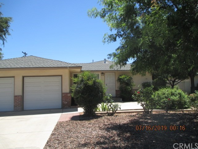 84 E Griffith Way, Fresno, CA 93704