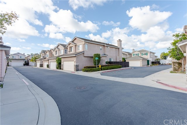7785 Pacific Cr, Midway City, CA 92655 Photo 10
