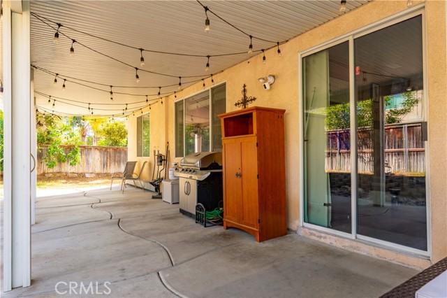 7062 Paddlewheel Drive, Eastvale CA: https://media.crmls.org/medias/d475998e-79f1-420d-ab0b-f13477e83363.jpg