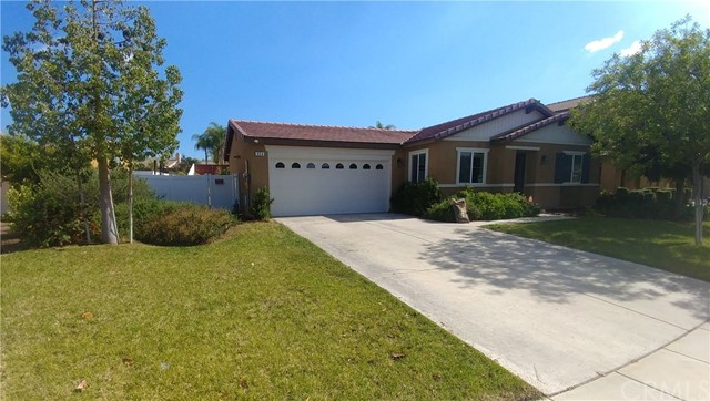 954 E Washington Avenue, San Jacinto, CA 92583