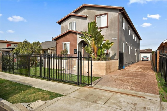853 W 76th Street, Los Angeles, CA 90044