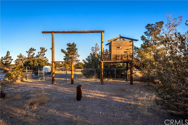 9175 Coleridge Rd, Oak Hills, CA 92344 Photo 24