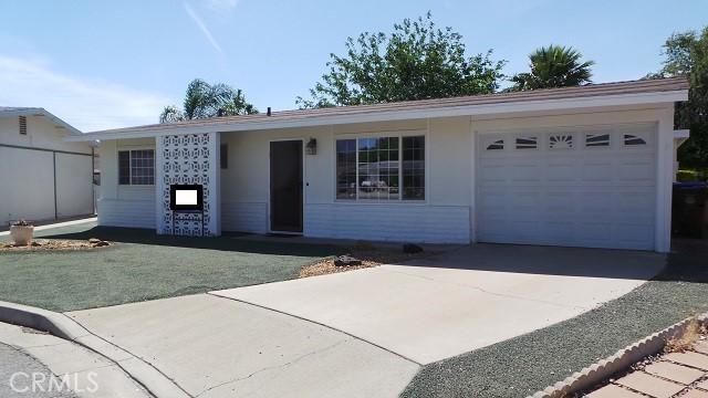 861   S Ramona Street, Hemet CA 92543