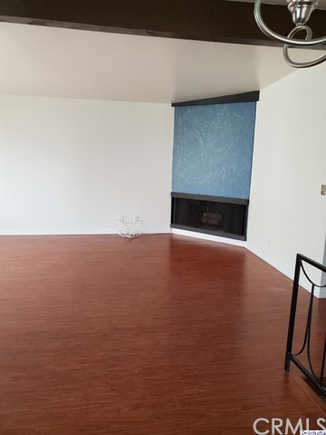 220 40th Street 2nd F, Manhattan Beach, California 90266, 2 Bedrooms Bedrooms, ,1 BathroomBathrooms,For Rent,40th,319004560