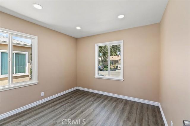 20. 4112 Camerino Street Lakewood, CA 90712