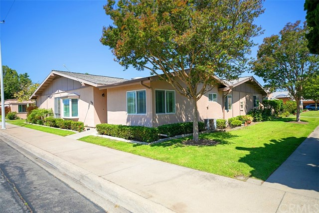1780 St John M15 48D Road, Seal Beach, CA 90740
