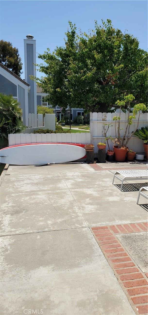 11. 16118 Tortola Circle Huntington Beach, CA 92649