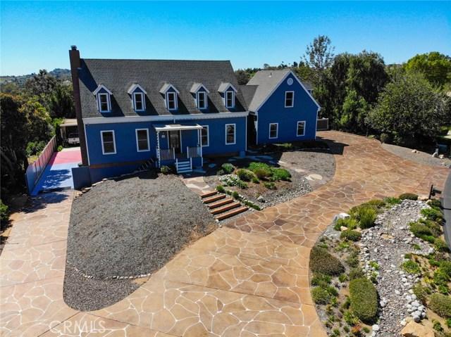 102 Lake Ridge Circle, Fallbrook, CA 92028