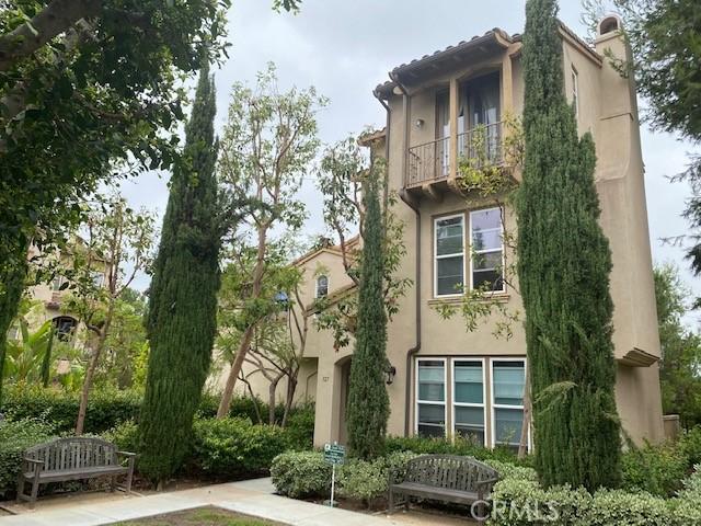 327     Tall Oak, Irvine CA 92603