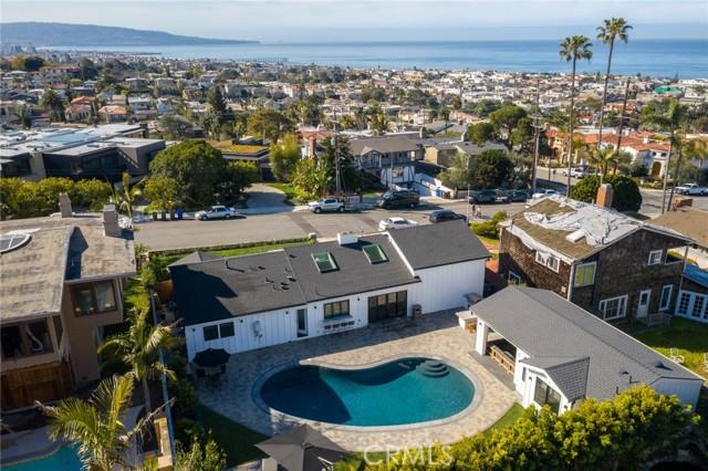 919 1st Street, Manhattan Beach, California 90266, 4 Bedrooms Bedrooms, ,1 BathroomBathrooms,For Sale,1st,SB21053005