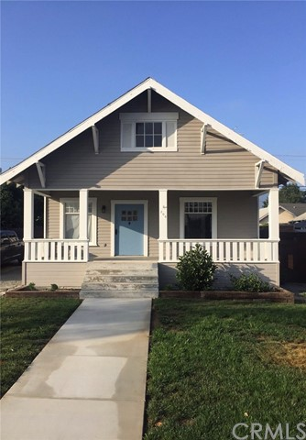 208 E Olive Street, Corona, CA 92879