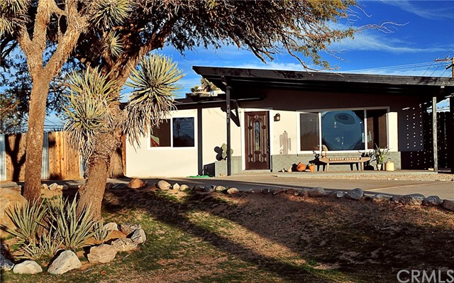 7821 Barberry Avenue, Yucca Valley, CA 92284