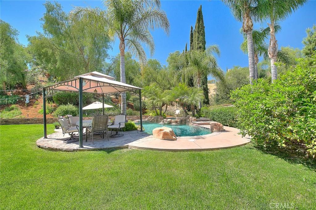 地址: 12926 Sundown Lane, Chino Hills, CA 91709