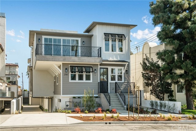 216 Lucia Ave C, Redondo Beach, California 90277, 4 Bedrooms Bedrooms, ,3 BathroomsBathrooms,For Sale,Lucia Ave,SB21048749