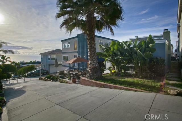 221 35th Street, Manhattan Beach, California 90266, 5 Bedrooms Bedrooms, ,4 BathroomsBathrooms,For Sale,35th,SB15056078
