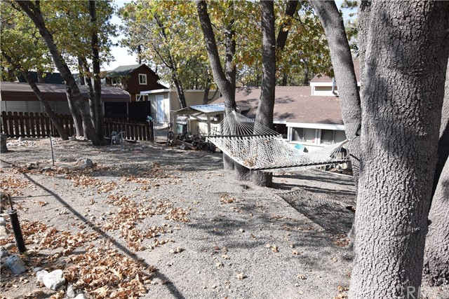 32938 Spruce Dr, Green Valley Lake, CA 92341 Photo 4