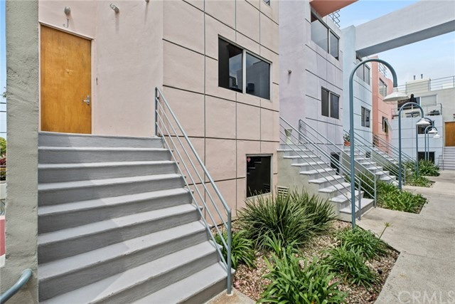 2433 28th Street J, Santa Monica, CA 90405
