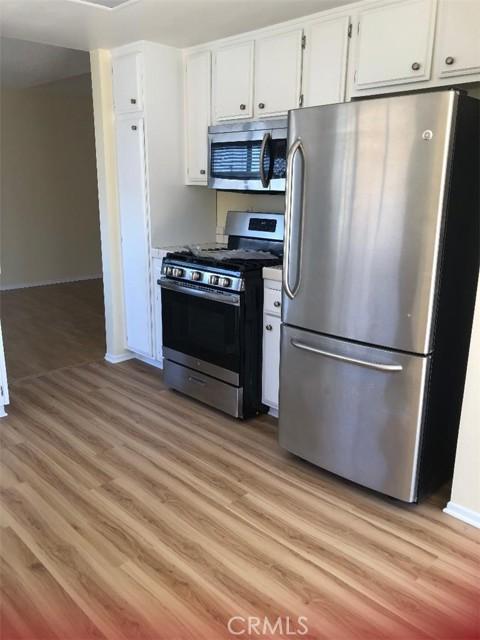 2019 Rockefeller Lane A, Redondo Beach, California 90278, 3 Bedrooms Bedrooms, ,2 BathroomsBathrooms,For Rent,Rockefeller,SB21045068