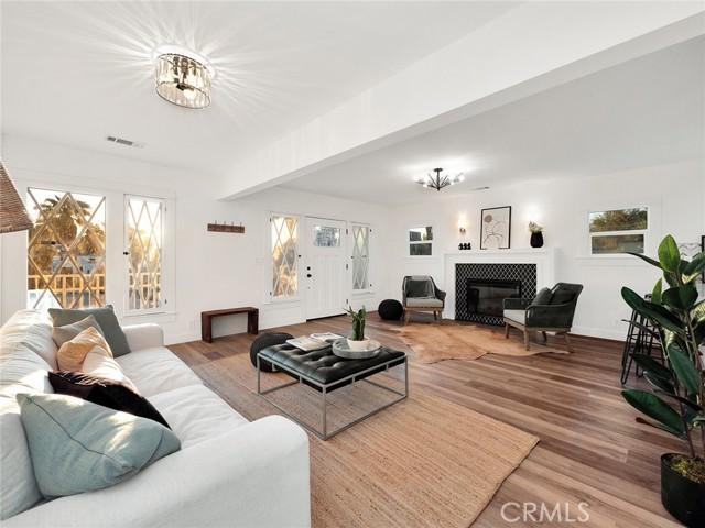 3325 Hamilton Way, Silver Lake, California 90026, 4 Bedrooms Bedrooms, ,2 BathroomsBathrooms,Residential,For Sale,Hamilton,PW21149558