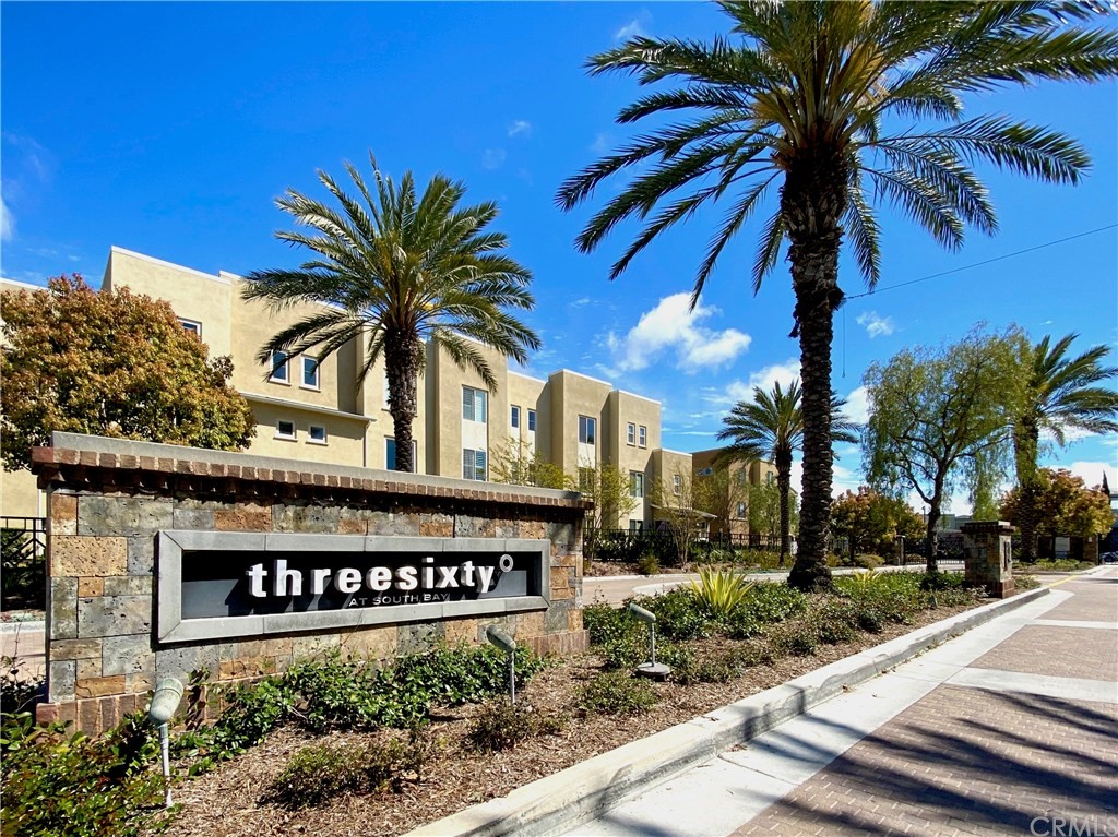 Stunning Contemporary Treasure in highly acclaimed 360 South Bay. Active Listings don't last here!!