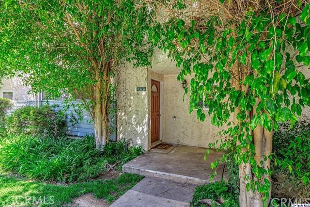 18411 Hatteras Street 129, Tarzana, CA 91356