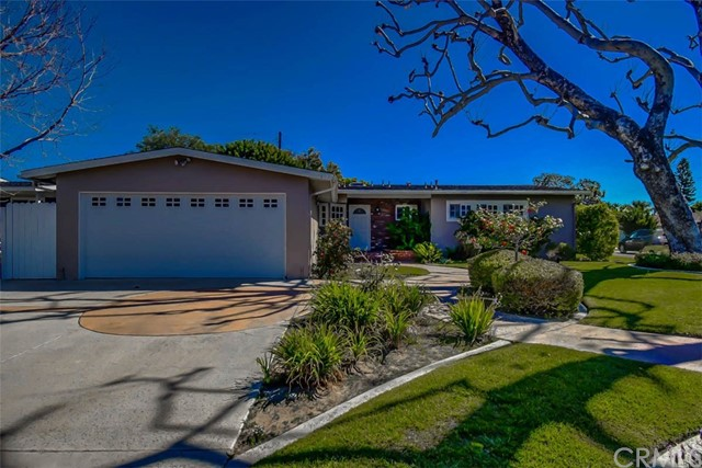 1900 Diana Lane, Newport Beach, CA 92660