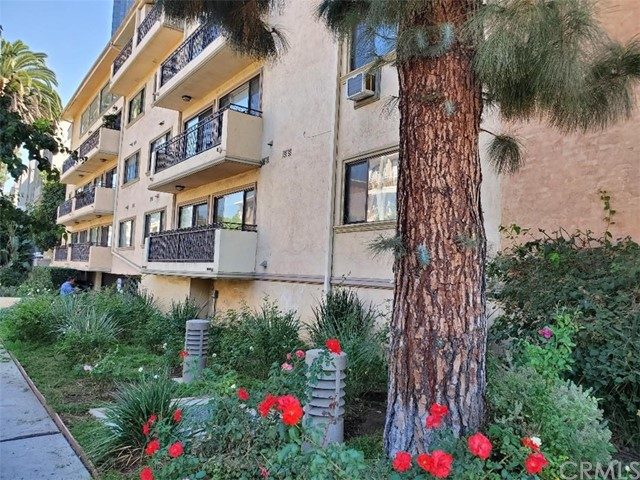 WELCOME TO BRENTWOOD VILLAS ! 2ND FLOOR UNIT FACING GOSHEN ST. ( SMALL QUIET STREET WITH 2 PARKING SPACES, WHICH IS RARE  ) . 