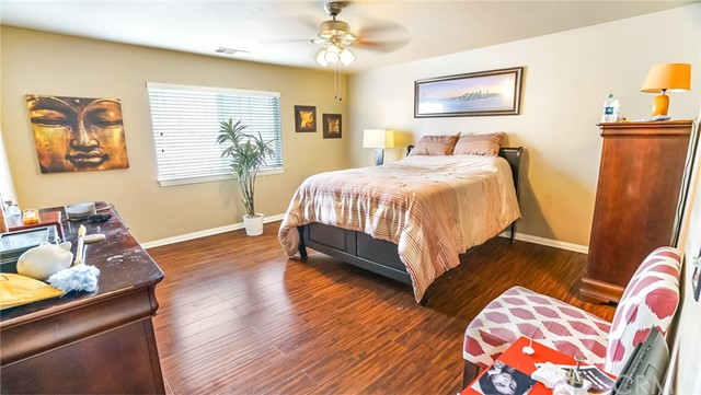 17882 Lilac Court, Carson, California 90746, 4 Bedrooms Bedrooms, ,2 BathroomsBathrooms,Townhouse,For Sale,Lilac,PW19050919