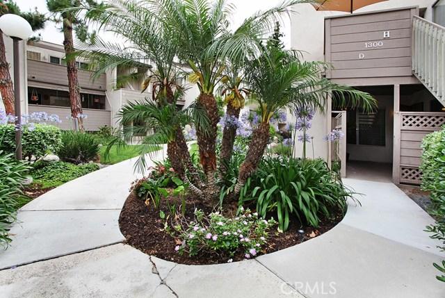 1300 Cabrillo Park Drive D, Santa Ana, CA 92701