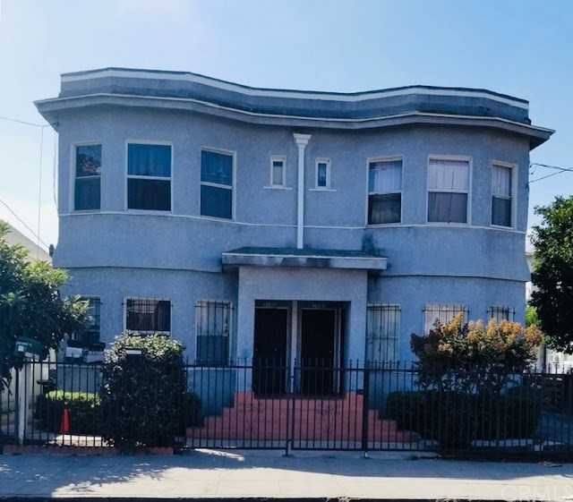 208 E 31st Street, Los Angeles, CA 90011