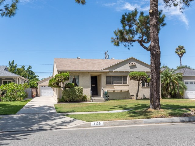 4135 Knoxville Avenue, Lakewood, CA 90713