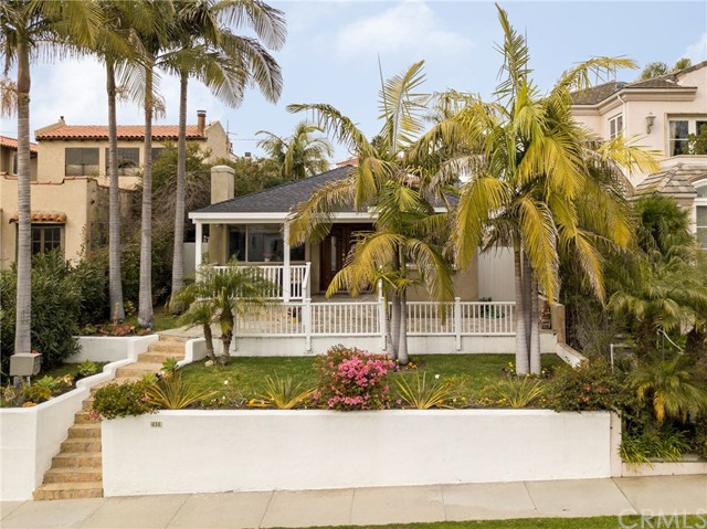 635 Avenue C, Redondo Beach, California 90277, 4 Bedrooms Bedrooms, ,1 BathroomBathrooms,Single family residence,For Sale,Avenue C,SB19034000
