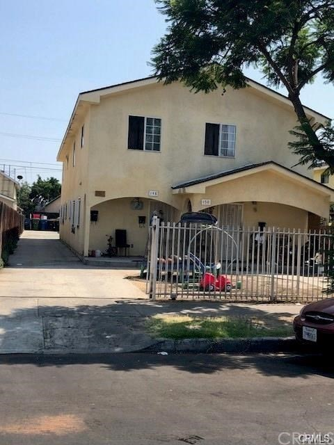 148 W 42nd Place, Los Angeles, CA 90037