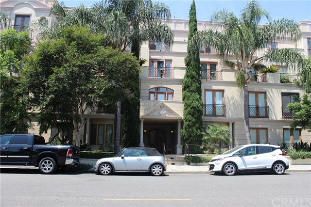 137 S Spalding Drive 402, Beverly Hills, CA 90212
