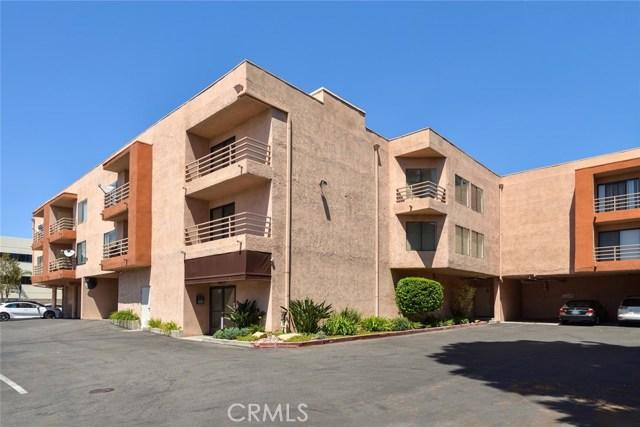 6815 Remmet Avenue 301, Canoga Park, CA 91303