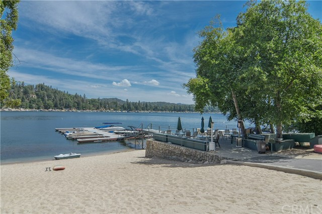 27833 Hamiltair Drive, Lake Arrowhead, CA 92352