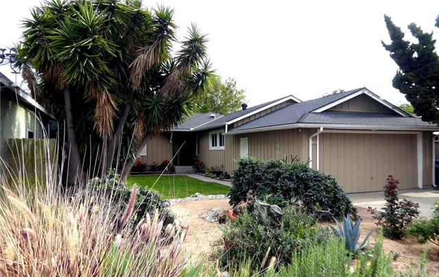 1836 247th Street, Lomita, California 90717, 3 Bedrooms Bedrooms, ,1 BathroomBathrooms,Single family residence,For Sale,247th,SB19078115