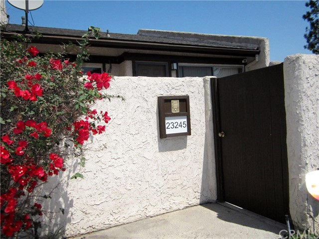 23245 Sesame, Torrance, California 90502, 2 Bedrooms Bedrooms, ,1 BathroomBathrooms,Townhouse,For Lease,Sesame,PV19233961