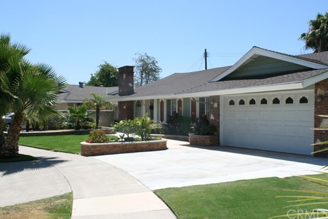 This house is centrally located in Orange County. Beautiful and quiet Cul-de-sac neighborhood, easy to access freeway 22, 91. Walking distance to Target, restaurant, parks, bike trail, shopping center... This house is centrally located in Orange County. Beautiful and quiet Cul-de-sac neighborhood, easy to access freeway 22, 91. Walking distance to Target, parks, bike trail, shopping center... A 5-minute drive from Chapman College and downtown Orange. Only 15 minutes to Disneyland, Angels Stadium, Anaheim convention center, Southcoast Plaza, Huntington Beach, New Port Beach, Knott Berry Farm, Irvine Park, the Vietnamese community in Westminster, the Korean community in Garden Grove or Rolland High, etc.  Remodeled house with new AC. Open floor plan with a modern look. Kids can go to Villa Park school No Smoking, pets, drugs, Rent must be paid on time. A credit check and background check are required. Long term or 6+ months rent for company  FURNISHED RENT