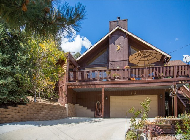 1917 Pioneer Way, Pine Mtn Club, CA 93222