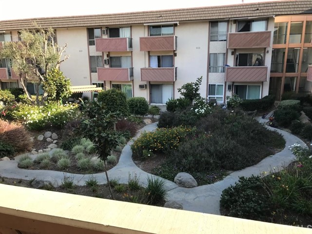 5585 E Pacific Coast 209, Long Beach, CA 90804