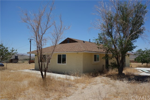 16962 Huff Rd, Lucerne Valley, CA 92356 Photo 2