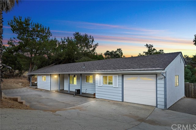 1237 Alpine Boulevard, Alpine, CA 91901