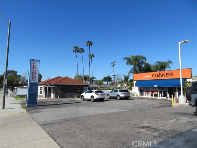 1617 E Chapman Avenue, Orange, CA 92866