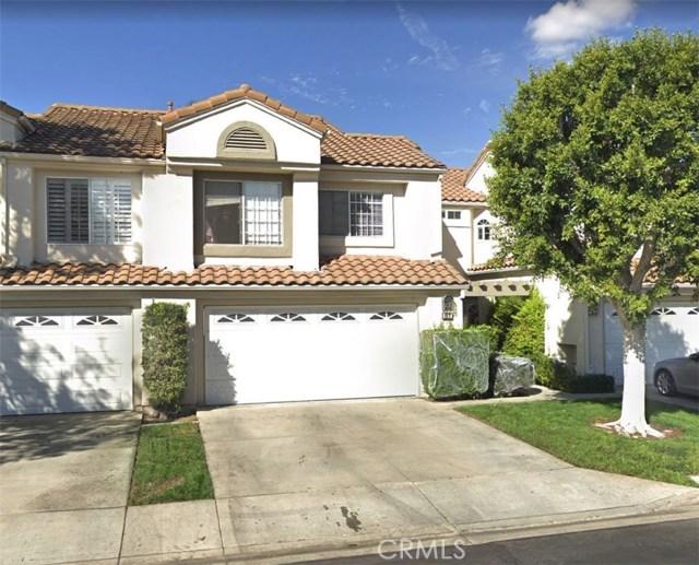 81 Agostino 100, Irvine, CA 92614